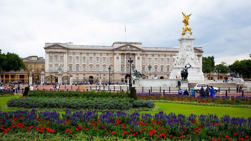 Illustration for article titled British Empire To Be Reduced To 8 Acres Around Buckingham Palace By 2050