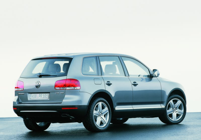 Illustration for article titled Would anyone be interested in a VW Touareg V10 review?