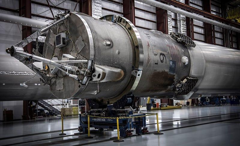 Illustration for article titled SpaceX reutilizará uno de sus cohetes Falcon 9 en septiembre u octubre de este año