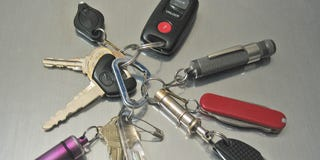 Illustration for article titled Top 10 Essential Tools for Your Wallet, Keychain, or Pocket