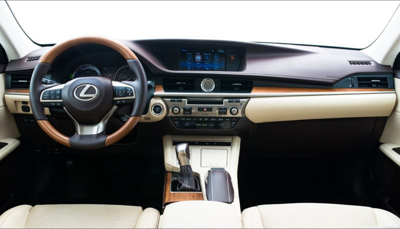 Illustration for article titled Lexus ES300h snapshot review
