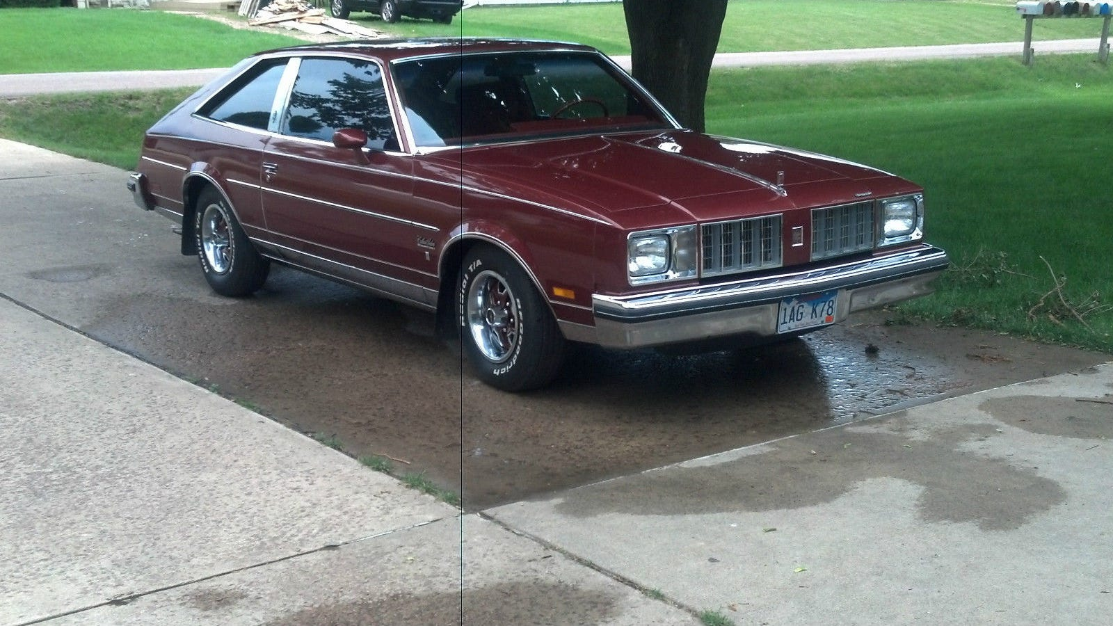 This 7 000 1978 olds cutlass is pristine and rocks a 5 speed for 1978 oldsmobile cutlass salon brougham