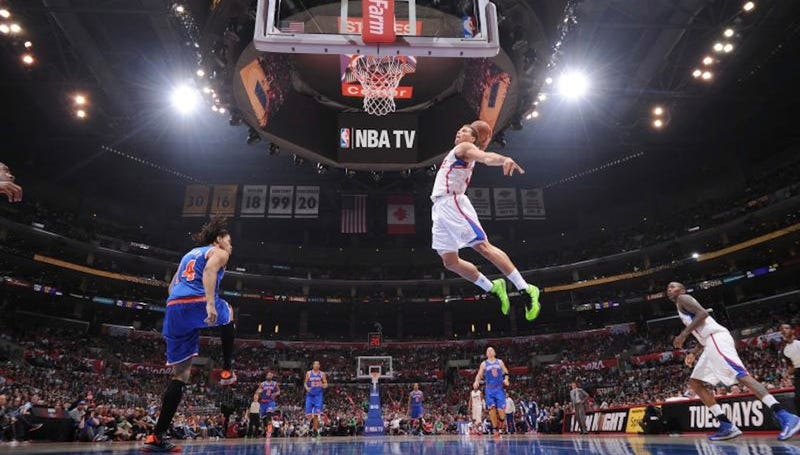 Illustration for article titled A Baseline's-Eye View Of Blake Griffin Dunking All Over The Knicks