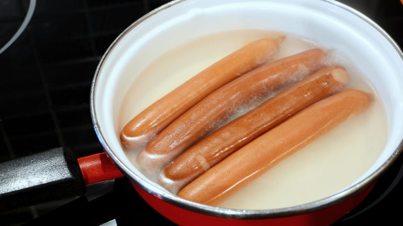 Illustration for article titled Yes, we're actually soliciting ideas on what to cook with hot dog water