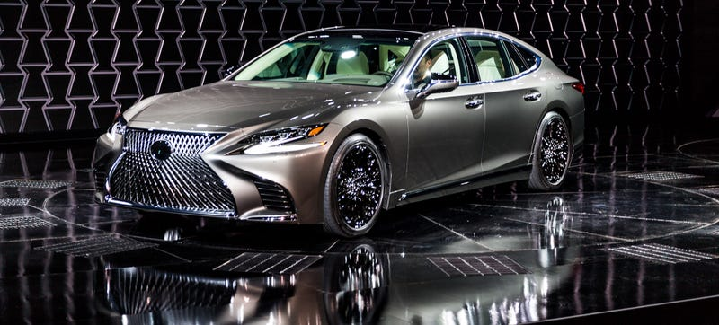 The New 2018 Lexus Ls500 Gets A Twin Turbo V6 And Drives Around