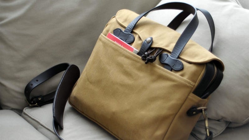 Illustration for article titled The Fully-Loaded Filson Messenger Brief