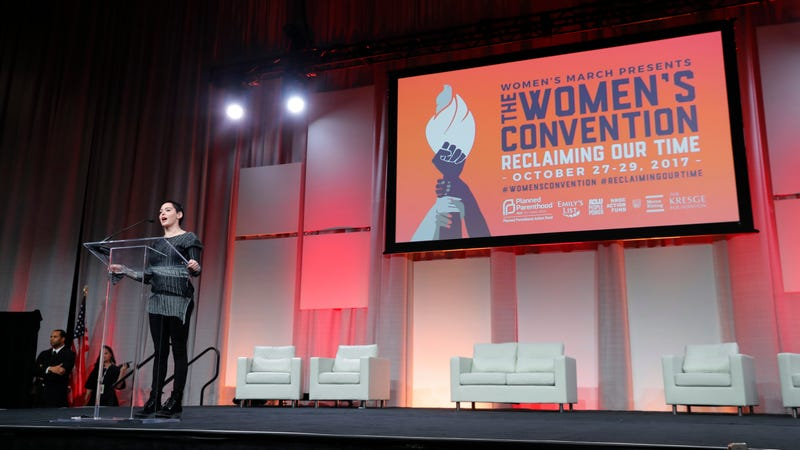 Rose McGowan speaks at the Women's Convention. Image via Getty.