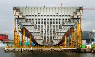 Illustration for article titled Pictures of the World's Biggest Cargo Ship Make You Feel Tiny