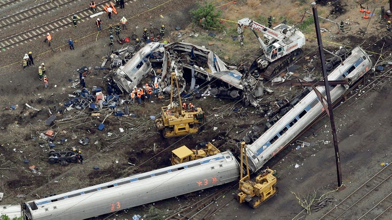 Engineer won't face charges in deadly 2015 train derailment