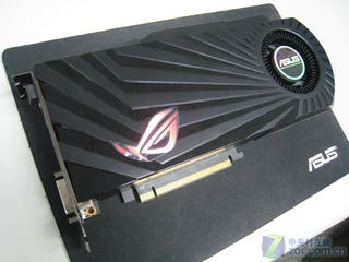 Illustration for article titled Radeon HD 5870 Gloriously Abused By Asus, Made Super Overclocking-Friendly