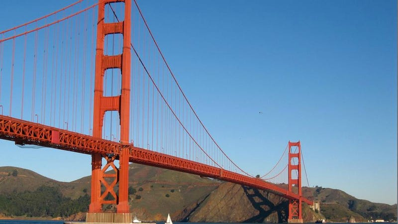 Illustration for article titled The Golden Gate Bridge Receives a Renovation That Will Take Years to Complete