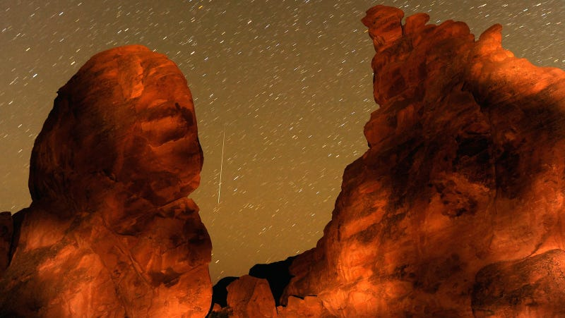 Illustration for article titled Reminder: The Geminids Are Peaking Tonight