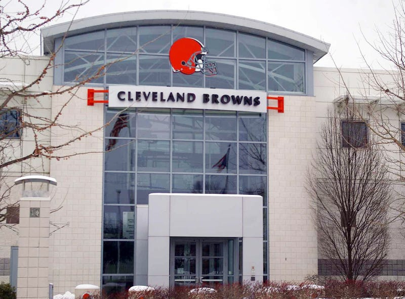 Illustration for article titled Cleveland Browns Groundskeeper Commits Suicide At Practice Facility