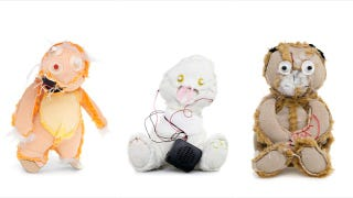 Illustration for article titled Photos Of Teddy Bears Turned Inside Out Are The Stuff Of Nightmares
