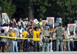 Protesters before Troy Davis' execution (Getty Images)
