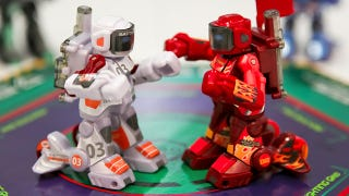 Illustration for article titled Wireless Rock 'Em Sock 'Em Robots Are Real Steel in Miniature