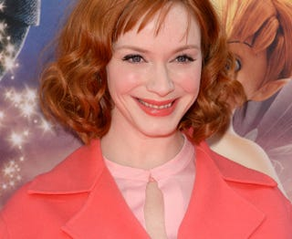Illustration for article titled Christina Hendricks Has a Very Coral Moment On the Red Carpet