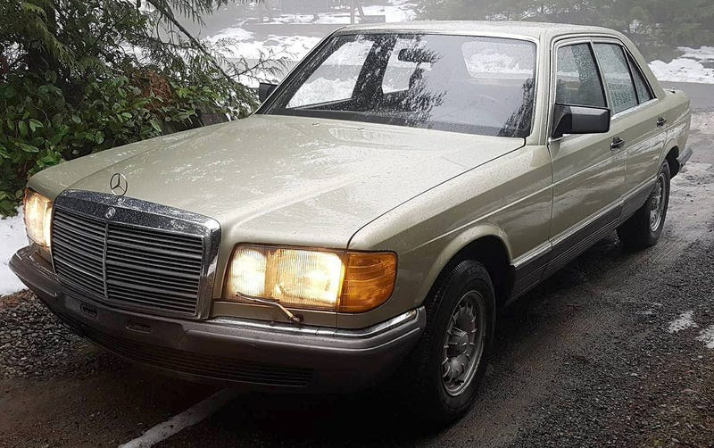 Illustration for article titled At $2,000, Could This Euro-Spec Import 1983 Mercedes 380SE Find A Way Into Your Heart?