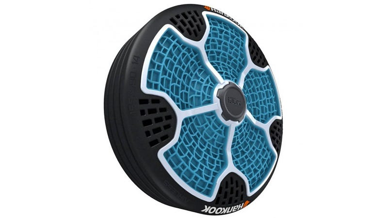 Crean un neumático sin aire que no sufre nunca pinchazos