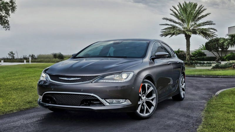 Illustration for article titled 2015 Chrysler 200: A Mopar Midsizer You Won't Be Embarrassed To Own