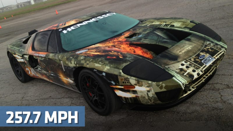Illustration for article titled Watch A Twin-Turbo Ford GT Hit 257.7 MPH In One Mile