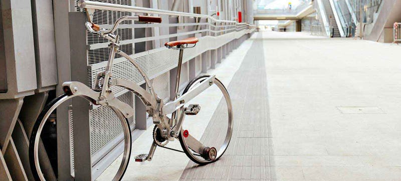 Illustration for article titled Esta bicicleta sin radios se pliega hasta el tamaño de un paraguas