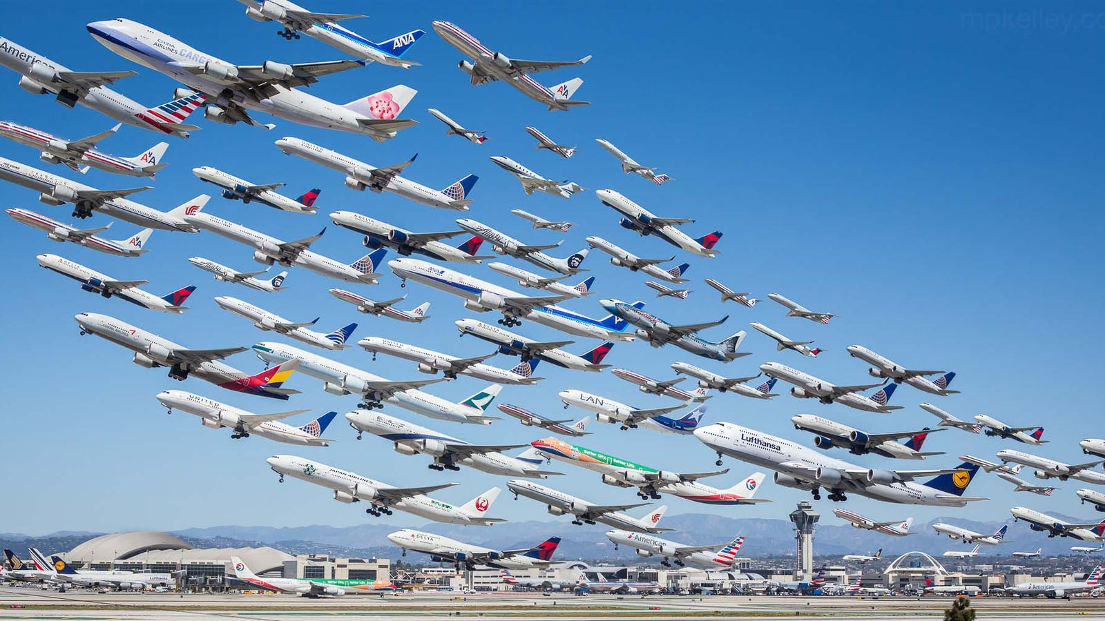 8 hours of airliners departing from Los Angeles in one single photo