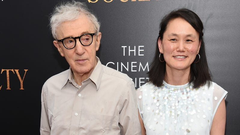 Illustration for article titled Woody Allen's Friend Writes NY Mag Soon-Yi Profile Defending Woody Allen