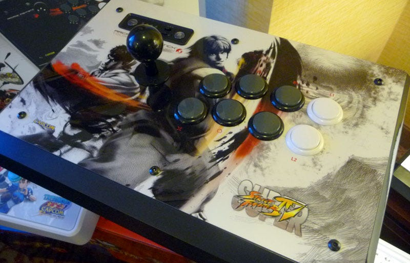Illustration for article titled Super Street Fighter IV FightStick Tournament Edition S Hands-on