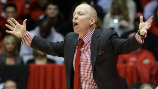 Illustration for article titled Cincinnati Coach Mick Cronin To Miss Game With 'Unruptured Aneurysm'