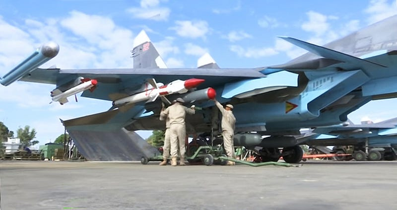Illustration for article titled Russian Su-34 Fullbacks Fly First Syria Sorties Loaded With Air-To-Air Missiles