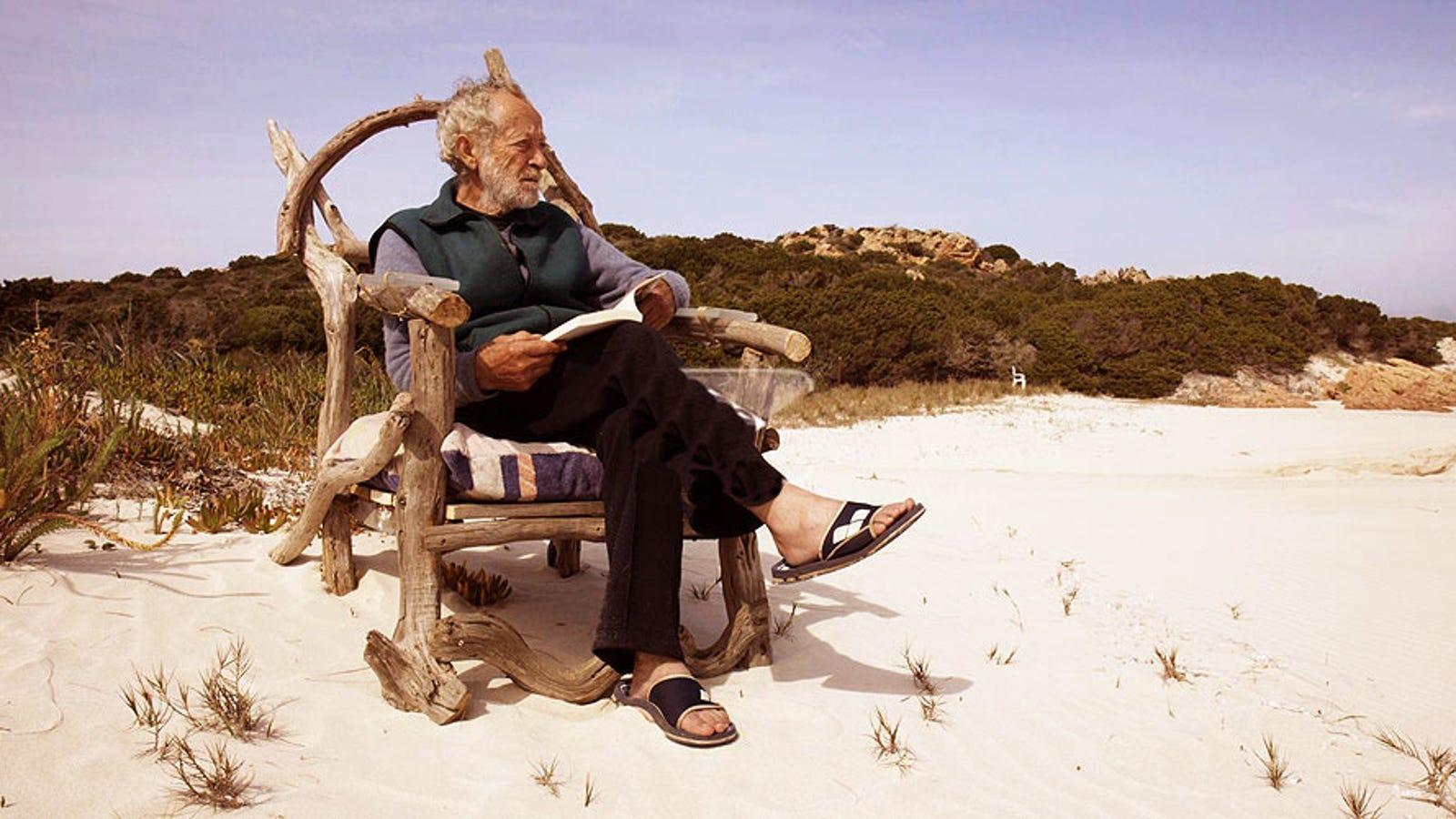 Este hombre lleva 30 años viviendo solo en una isla