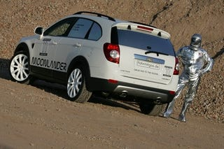 Illustration for article titled Moonlander Chevy Captiva Drives You To The Moon