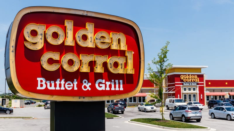 Illustration for article titled Woman says Golden Corral asked her family to leave because of her outfit