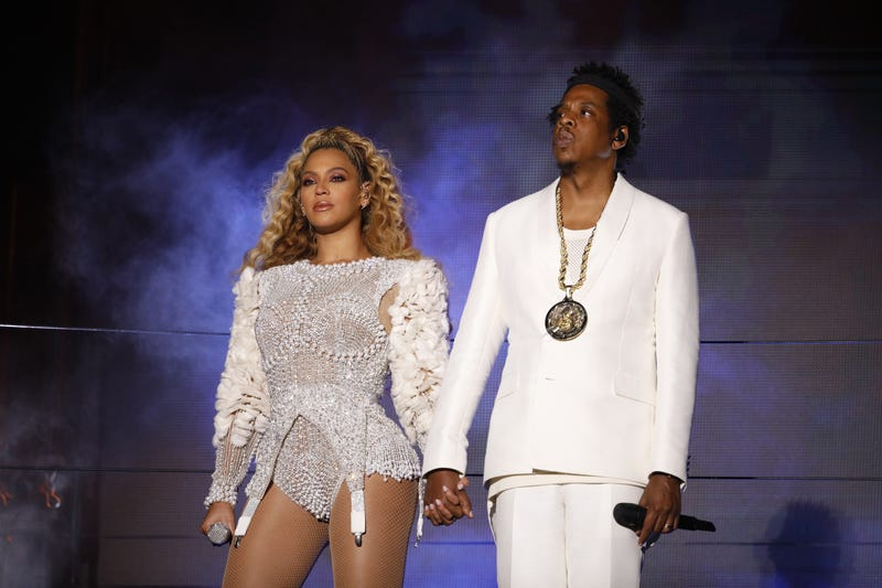 Illustration for article titled Beyoncé and Jay-Z Will Award Over $1 Million in Scholarships to 11 Lucky High School Seniors