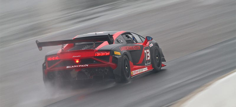 Illustration for article titled Lamborghini Racing In The Wet Is Best Lamborghini Racing