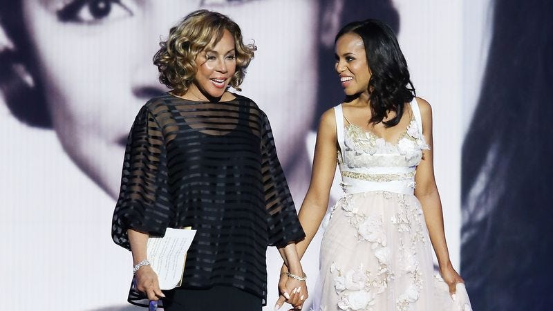 Diahann Carroll (left) and Kerry Washington at the 2013 Emmys (Photo: Michael Tran/Getty Images)