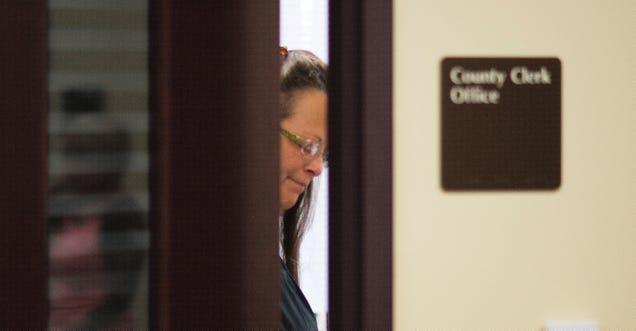 Kim Davis Won't Resign, Plans to Appeal Contempt Ruling