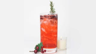 Illustration for article titled 5 Drink Recipes That Will Ensure a Happy New Year