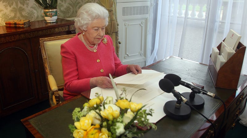 Illustration for article titled Queen Elizabeth II Expected to Sign Charter to Support Rights for Gays, Women