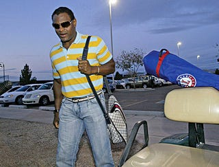 Illustration for article titled Sammy Sosa Arrives At Rangers Camp With Bag Of Steroids