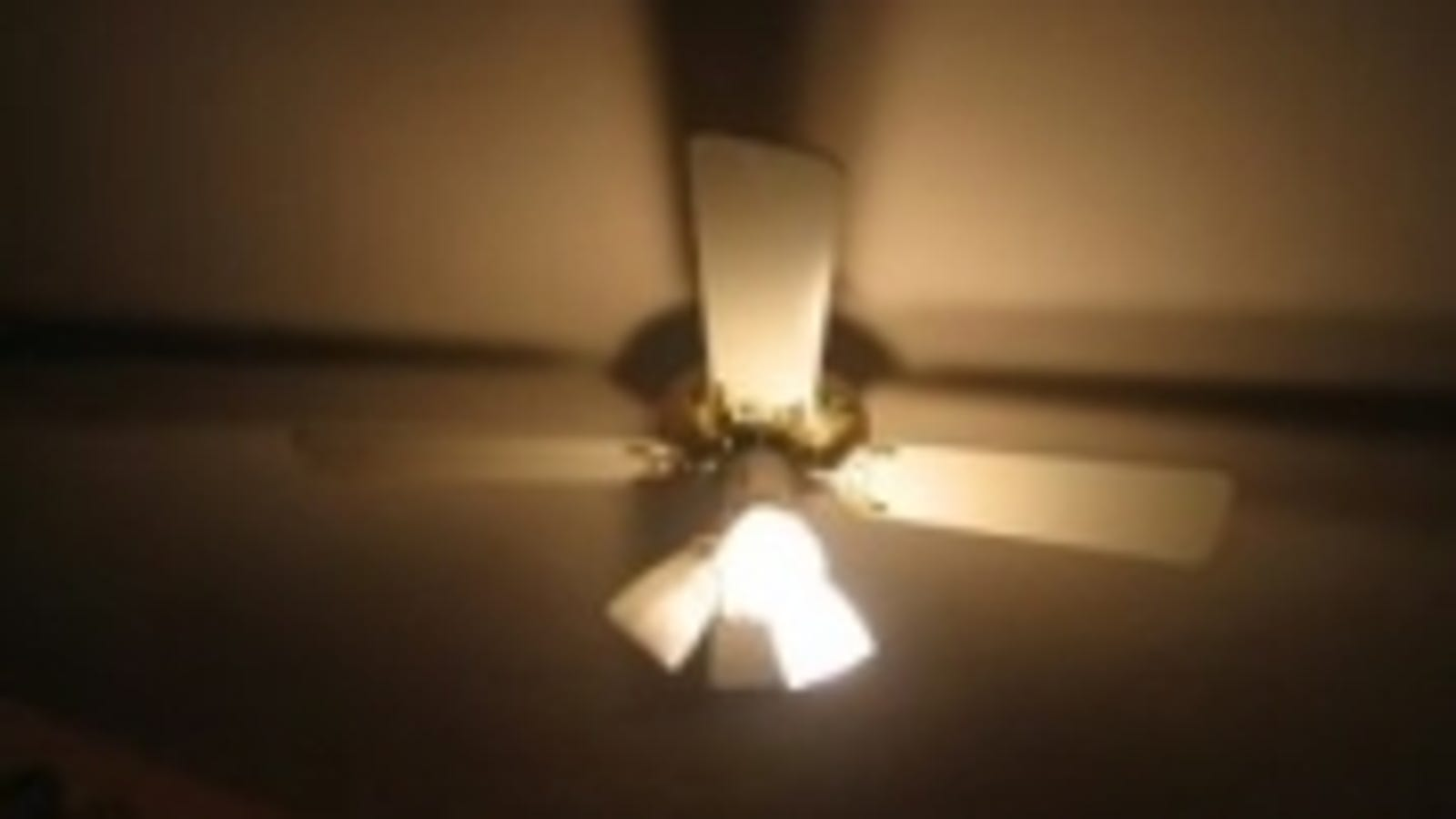 Run ceiling fans counter clockwise for summer savings mozeypictures Gallery