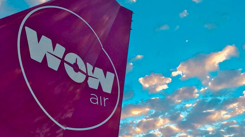 Illustration for article titled WOW Air Shuts Down, Cancels All Flights, All Passengers Stranded