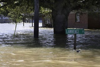 A flooded street in Pinhook (Kansas City Star)