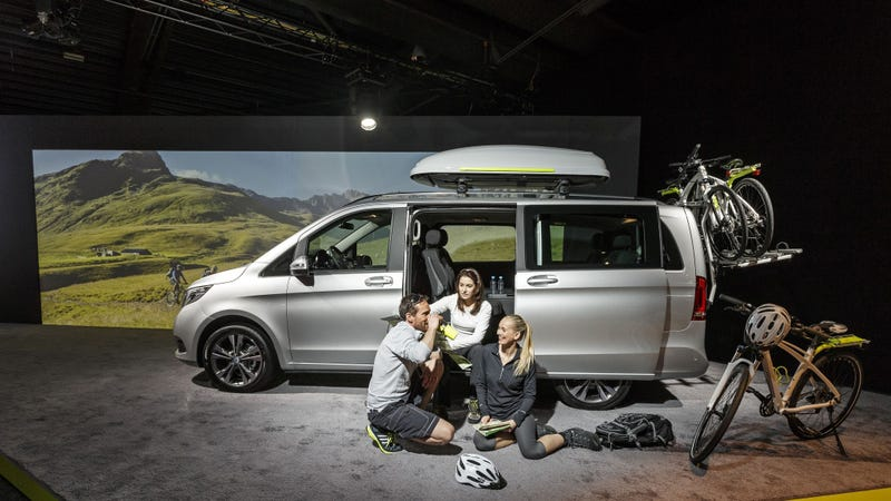 the mercedes benz v class is a luxury minivan you might. Black Bedroom Furniture Sets. Home Design Ideas