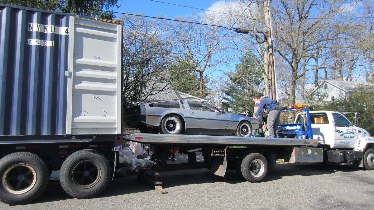 World S Greatest Dad Added A Backseat To His Delorean To Take His