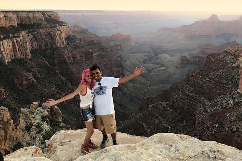 Illustration for article titled Muere una pareja al caer por un acantiladode 250 metros en Yosemite mientras se hacían un selfie