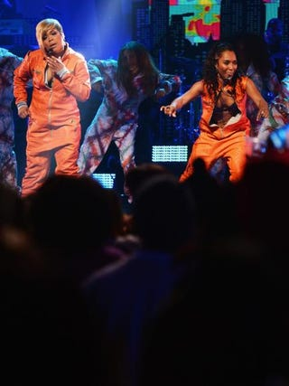 """Singers Tionne """"T-Boz"""" Watkins and Rozonda """"Chilli"""" Thomas of TLC perform during VH1's Super Bowl Blitz: Six Nights + Six Concerts at New York's Beacon Theatre Jan. 30, 2014.Michael Loccisano/Getty Images"""