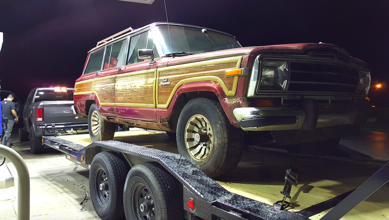 Illustration for article titled This $800 Jeep Grand Wagoneer Hasn't Run In 12 Years And It's My New Off-Road Project