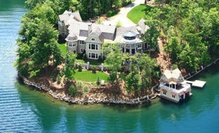 Illustration for article titled Nick Saban Is Selling His Fancy-Ass Vacation Home